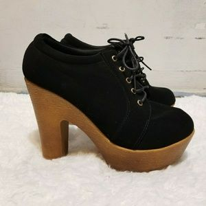 Shoes - Chunky heel platforms